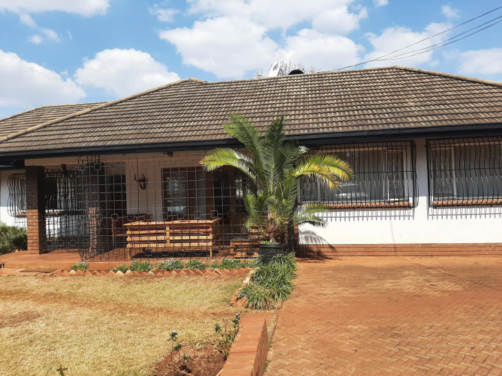 House for Sale in Alexandra Park